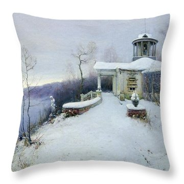Manor Throw Pillows