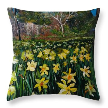 A Field Of Daffodils Throw Pillow