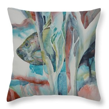 A L'abris Throw Pillow