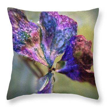 A Real 4 Leaf Clover Throw Pillow