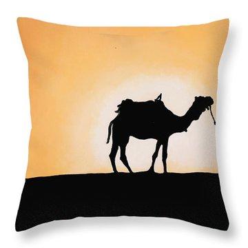 A Spasso Col Cammello Throw Pillow