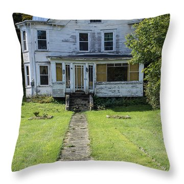 Abandoned Home, Lyndon, Vt. Throw Pillow