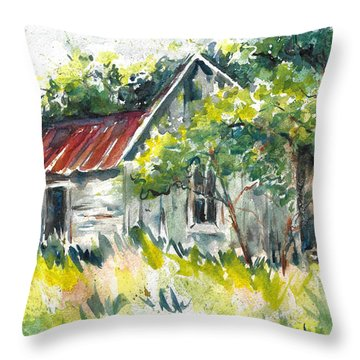 Abandoned Farmhouse In The Ozark Mountains On The Gravel Road To Hawk's Bill Crag At Whitaker Point Throw Pillow