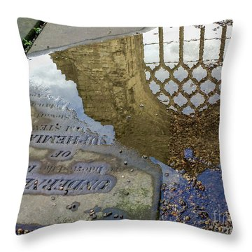 Abbey Ruins - Edinburgh Throw Pillow