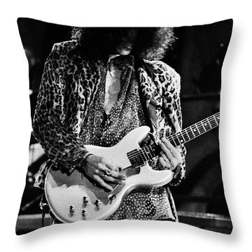 Aerosmith-94-joe-1206 Throw Pillow