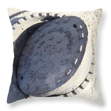 Throw Pillow featuring the photograph Akimbo Cover by Jez C Self