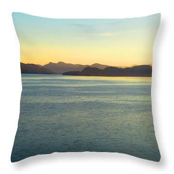 Alaska3 Throw Pillow