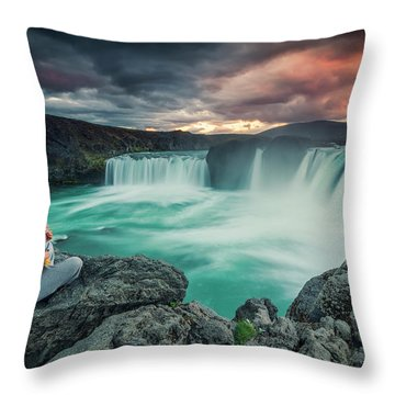 Alca000001 Throw Pillow