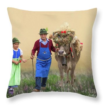 Almabtrieb Throw Pillow