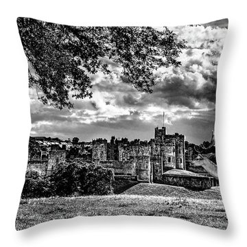 Alnwick Castle And Fallow Deer Throw Pillow