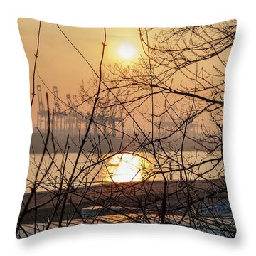 Altonaer Balkon Sunset Throw Pillow