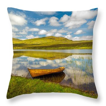 Amazing Scotland Throw Pillow
