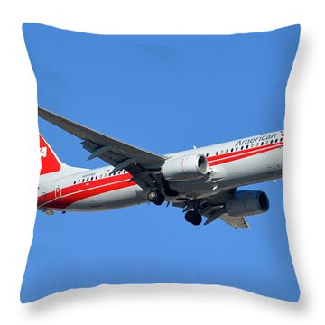 American Boeing 737-823 N915nn Phoenix Sky Harbor January 11 2015 Throw Pillow by Brian Lockett