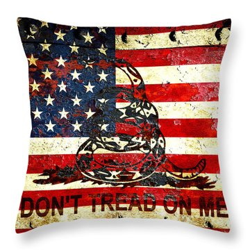 American Flag And Viper On Rusted Metal Door - Don't Tread On Me Throw Pillow