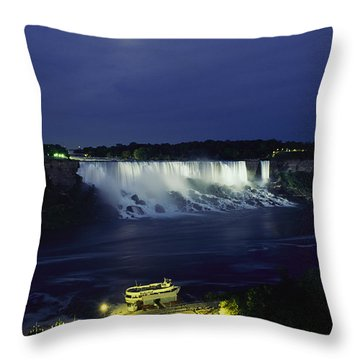 American Side Of Niagara Falls, Seen Throw Pillow by Richard Nowitz
