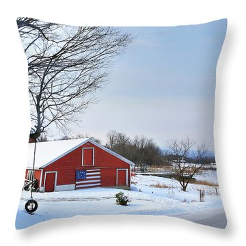 Americana Barn In Vermont Throw Pillow