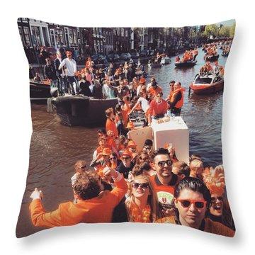 Koningsdag Throw Pillows