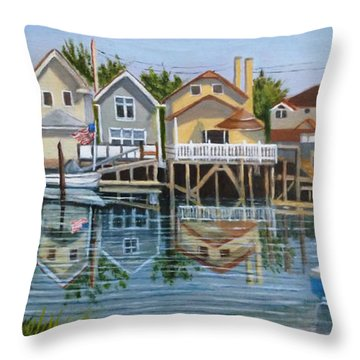 An Oasis Of Peace In Queens Throw Pillow