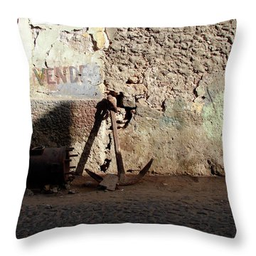 Anchor Cape Verde Throw Pillow