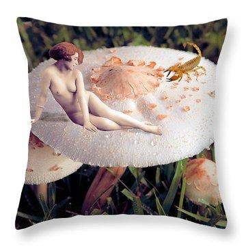 Angoisse Feminine#2 Throw Pillow