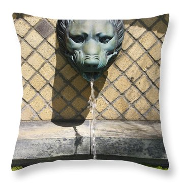 Animal Fountain Head Throw Pillow