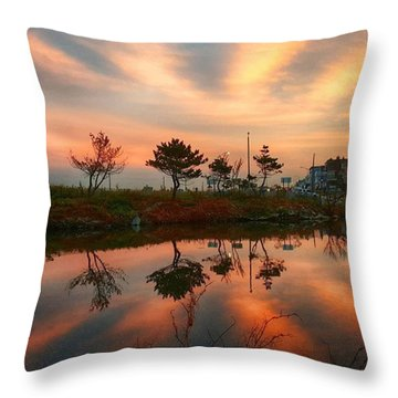 Cloud Ripples Throw Pillow