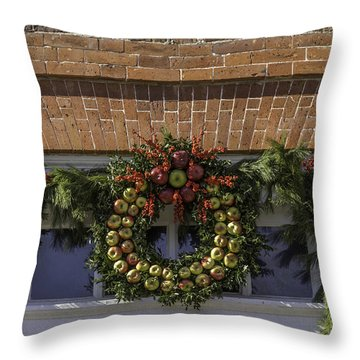 Apple Wreaths At The George Wythe House Throw Pillow