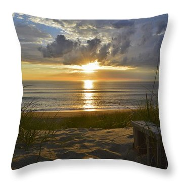April Sunrise In Nags Head Throw Pillow