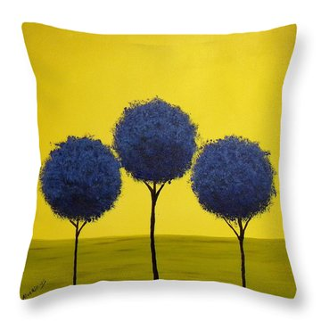 Arboles Throw Pillow