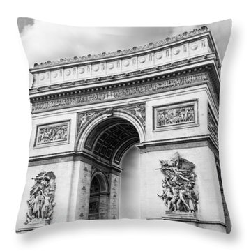 Arch Of Triumph - Paris - Black And White Throw Pillow