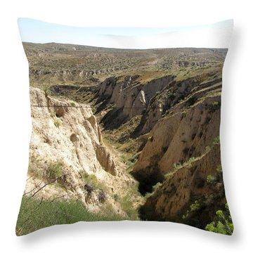 Arikaree Breaks Canyon Throw Pillow