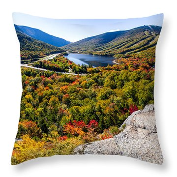 Artists Bluff, Franconia Notch Throw Pillow