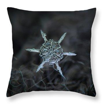 Real Snowflake Photo - The Shard Throw Pillow