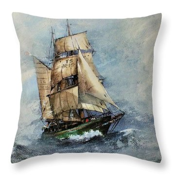 F 827 Asgard Storm Off Galway. Throw Pillow