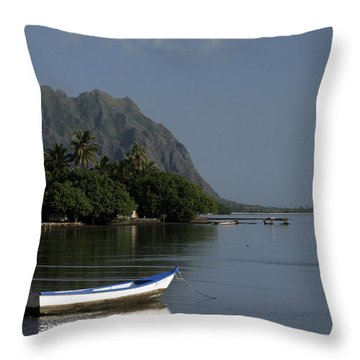At Rest, Oahu Throw Pillow