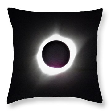At The Moment Of Totality Throw Pillow