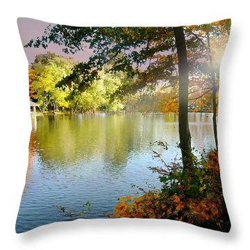 Autumn At Tilley Pond Throw Pillow
