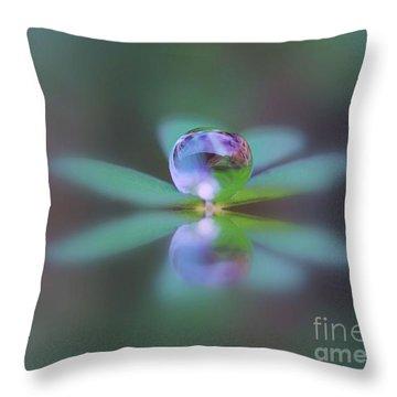 Autumn Clover Droplet Throw Pillow