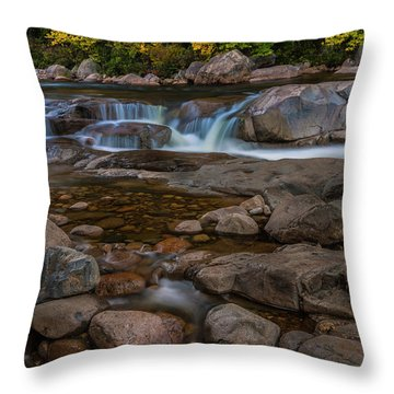 Autumn Colors In White Mountains New Hampshire Throw Pillow
