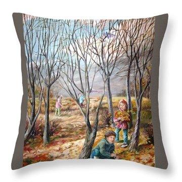 Autumn Games - Jeux D'automne Throw Pillow
