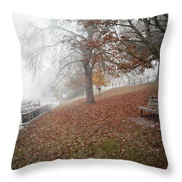 Autumn In River Cam Throw Pillow