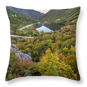 Autumn On Artist's Bluff Throw Pillow