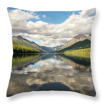 Avenue To The Mountains Throw Pillow