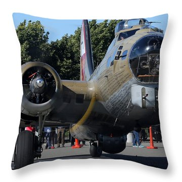 B17 Flying Fortress Taxiing Throw Pillow