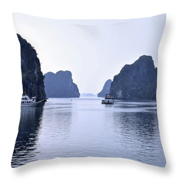 Bai Tu Long, N.vietnam Throw Pillow
