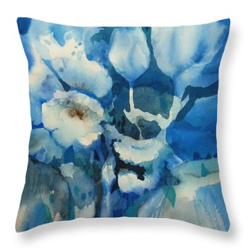 Balade Nocturne Throw Pillow