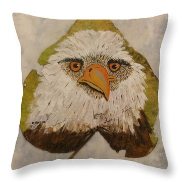 Bald Eagle Front View Throw Pillow