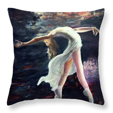 Ballet Dancer 2 Throw Pillow