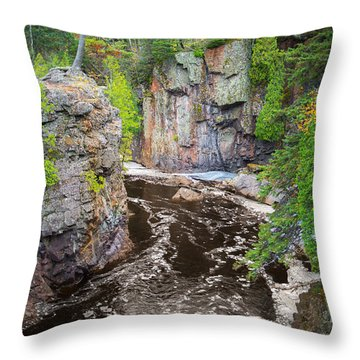 Baptism River In Tettegouche State Park Mn Throw Pillow