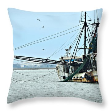 Barely Makin' Way Throw Pillow